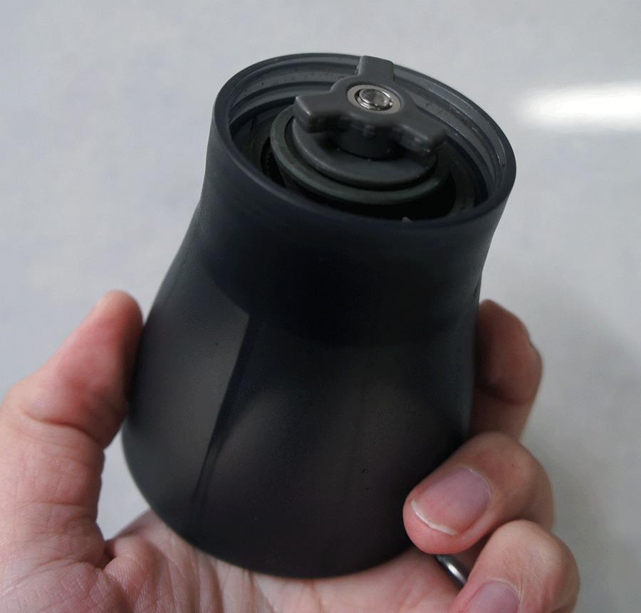 手挽き コーヒーミル ・ セラミック スリム MSS-1TB のミル部分