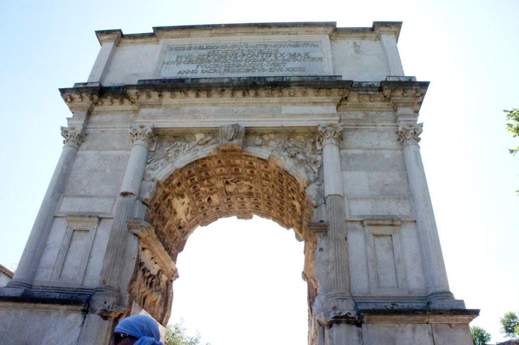 フォロ・ロマーノ ティトゥスの凱旋門