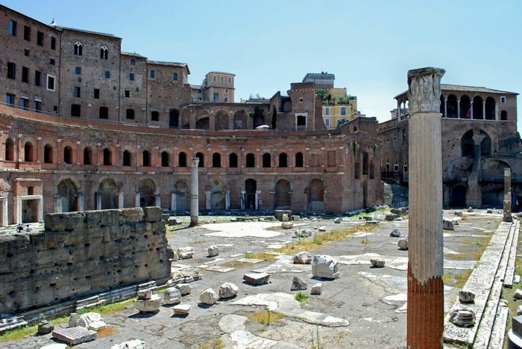 トラヤヌスの市場(Mercati di Traiano)