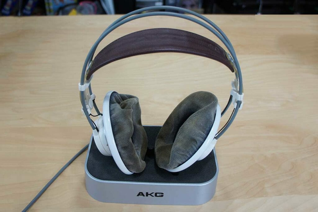 AKG K701 イヤーパッドのへたり具合