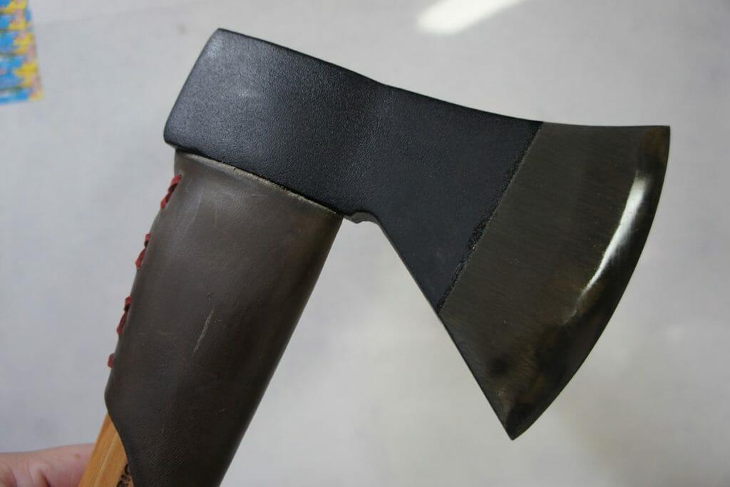 手斧の黒錆加工油保護後