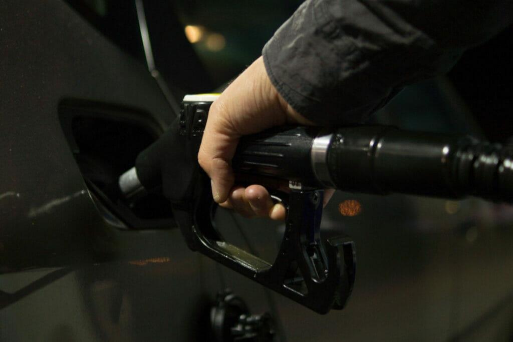 燃料販売業者