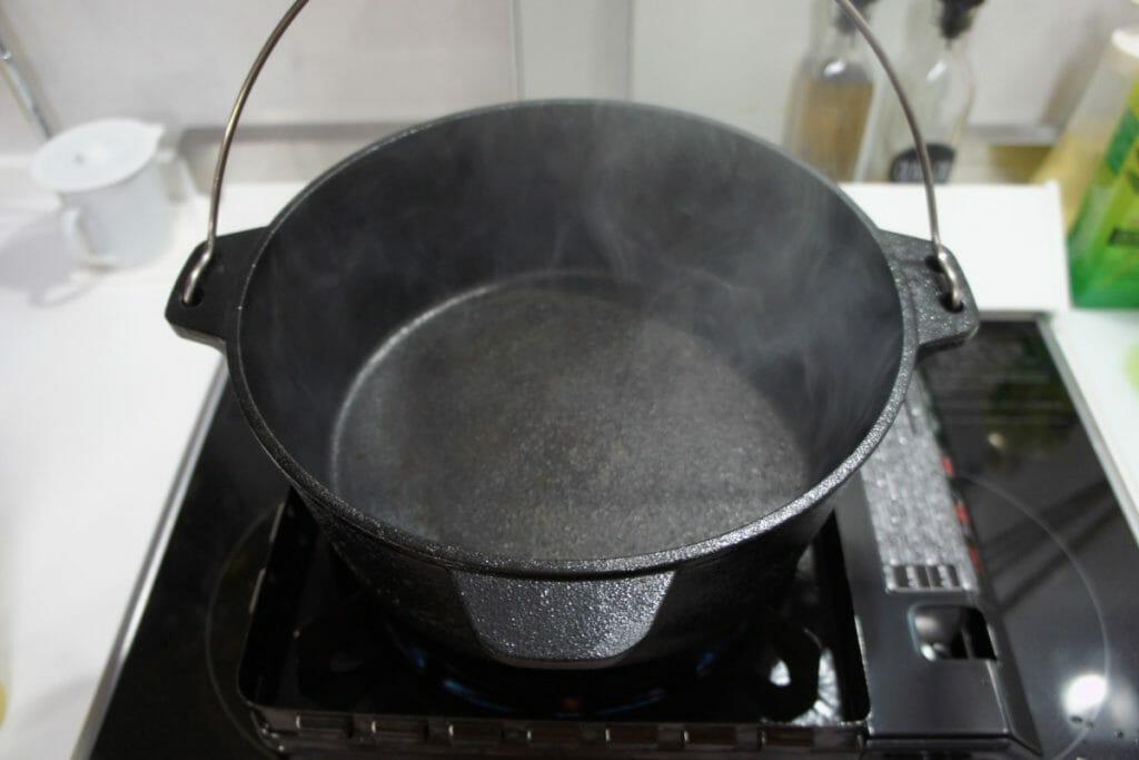 ダッチオーブンのシーズニング3