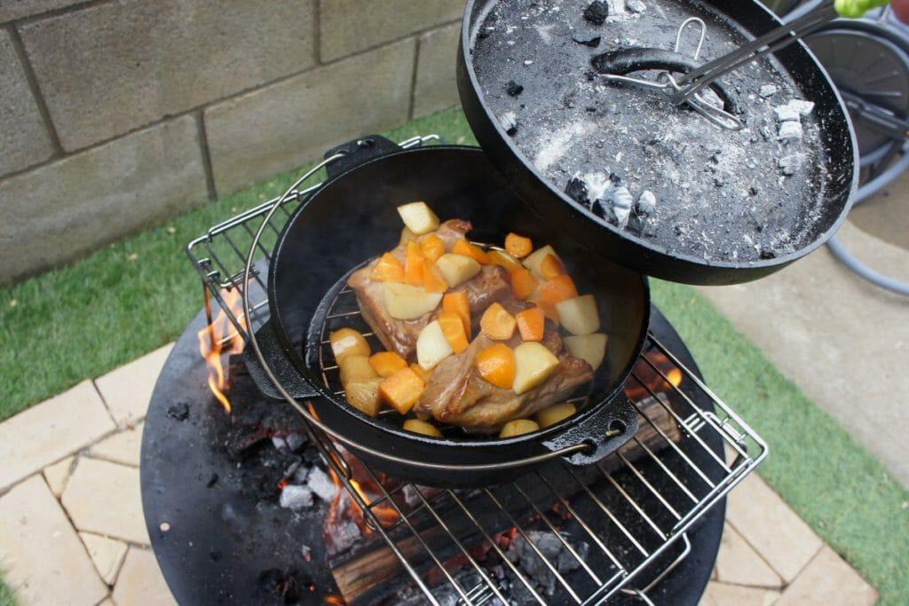 ニトリ ダッチオーブンでの調理