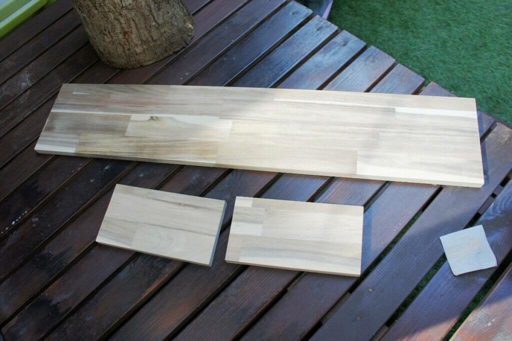 棚板用アカシア集成材のやすりがけ後