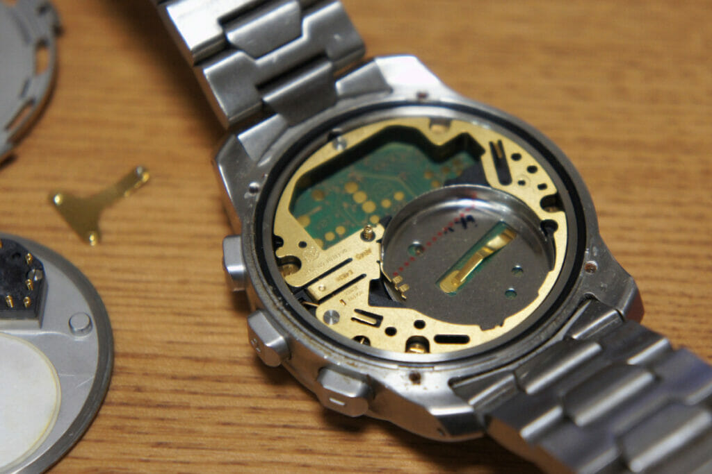 Tissot T-Touch 2 電池外し
