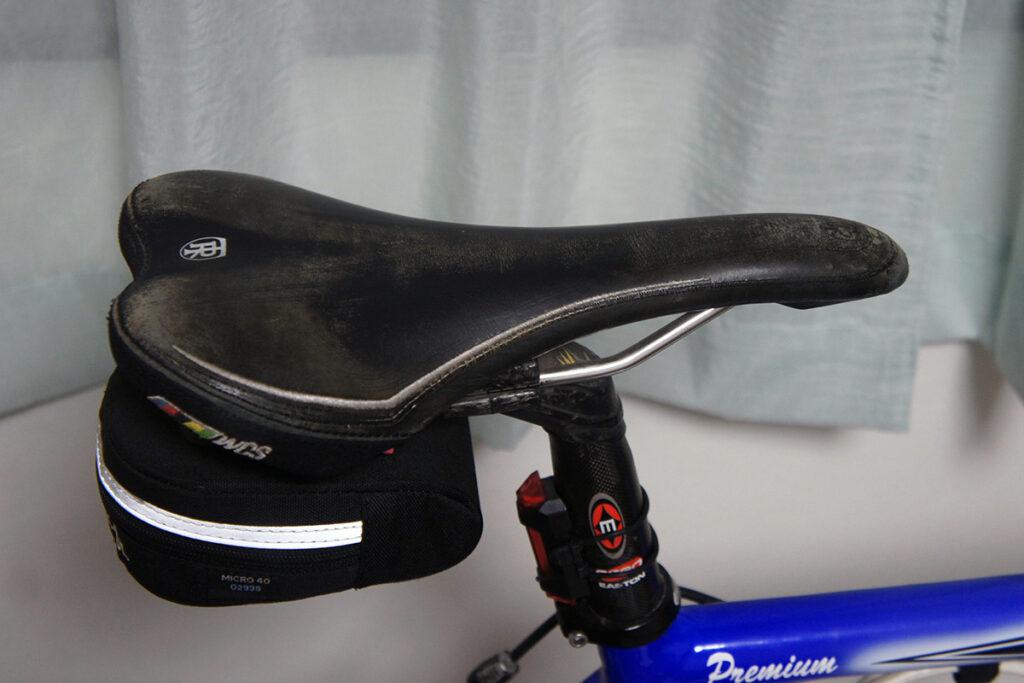 ロードバイク サドル 色落ち